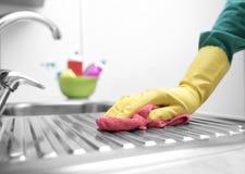 Lavandino di cucina del lavaggio Fotografia Stock Libera da Diritti