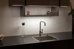 Lavandino di cucina scuro Fotografia Stock