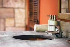 Lavandino di legno Fotografie Stock Libere da Diritti