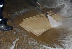 Lavando e limpando o carro e seus acessórios Imagens de Stock Royalty Free