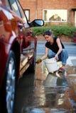 Lavando o carro Imagem de Stock