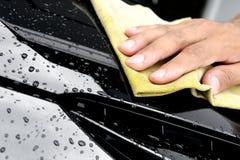 Lavare l'automobile Fotografie Stock Libere da Diritti