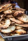Lavash, pastelaria fresca dos produtos da padaria vende o pão árabe caucasiano de Lavash da cozinha do close-up das tortilhas do  fotografia de stock