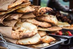 Lavash, piekarnia produktów ciasta bubli pita rynku tortillas świeżego pszenicznego zakończenia Lavash Kaukaski kuchenny Pita lub Zdjęcie Royalty Free