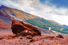 Lavasteinlandschaft des Vulkans, Ätna, Sizilien stockfotos