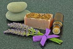 Lavendelöl und Seife Lizenzfreie Stockbilder