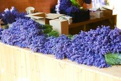 Lavendel auf Verkauf Stockfotografie