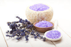 Lavendel - Badesalz Lizenzfreies Stockfoto