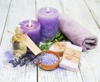Lavendel met zeep stock fotografie