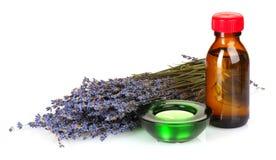 Lavendel und Schmieröl in der Flasche Stockbild
