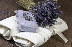 Lavendel und Seife Lizenzfreies Stockbild