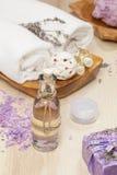 Lavendelbadekur stockfotografie