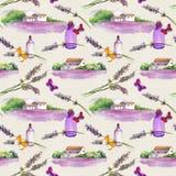 Lavendelblumen, Ölparfümflaschen, Schmetterlinge mit ländlichen Häusern und Lavendelfelder Wiederholen des Musters für Kosmetik Stockbild