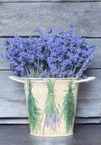 Lavendelblumenstrauß Stockfotografie
