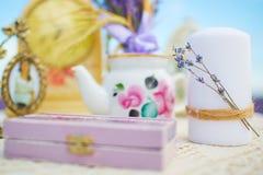 Lavendeldekor-Provence-Art auf dem Gebiet stockfotografie