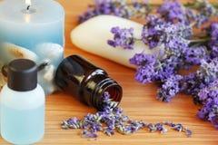 Lavendelkraut und -bad Stockbild