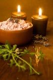 lavender κεριών λουτρών άλας Στοκ Εικόνες