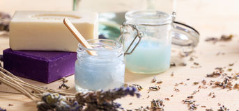 Lavender κρέμες και σαπούνια - έννοια SPA Στοκ Εικόνες