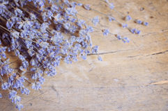 Lavender λουλούδι στον ξύλινο πίνακα Στοκ φωτογραφία με δικαίωμα ελεύθερης χρήσης