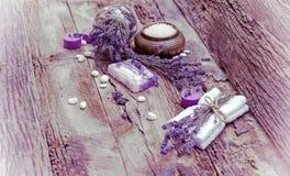 Lavender σαπούνι, scented άλας και πέτρες SPA Στοκ φωτογραφίες με δικαίωμα ελεύθερης χρήσης