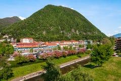 Laveno, Italien Panoramische Ansicht Lizenzfreie Stockbilder