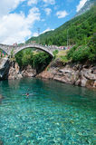 Lavertezzo, Verzasca谷,提契诺州,瑞士,欧洲小行政区  库存照片