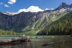 Lavin sjö och berg Fotografering för Bildbyråer
