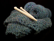 Lavorando a maglia in un cestino Fotografia Stock Libera da Diritti
