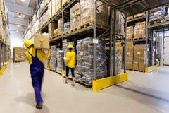 Lavoratore del magazzino Fotografie Stock