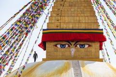 Lavoratore sulla cima e sugli occhi di Buddha Fotografia Stock
