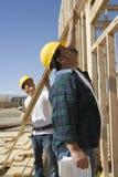 Lavoratori al cantiere fotografie stock libere da diritti