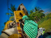 Lavoratori indiani al cantiere fotografia stock