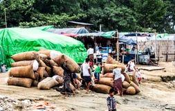 Lavoratori a Mandalay, Myanmar 2 Immagine Stock Libera da Diritti