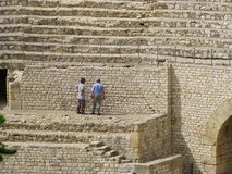 Lavoratori nel Colosseum Immagine Stock