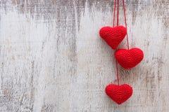 Lavori all'uncinetto i cuori del biglietto di S. Valentino Fotografia Stock Libera da Diritti