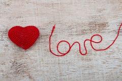 Lavori all'uncinetto il cuore del biglietto di S. Valentino Fotografia Stock