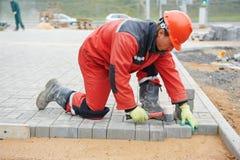 Lavori di costruzione della pavimentazione del marciapiede Immagine Stock