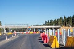 Lavori di costruzione sulla ricostruzione della strada principale federale russa A-181 SCANDINAVIA Fotografia Stock Libera da Diritti