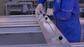 Lavori di fabbricazione Fabbrica per alluminio e le finestre del PVC e la produzione delle porte Accessori dell'installazione per Fotografie Stock