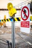 Lavori pubblici Zona limitata Testo nello Spagnolo Immagini Stock