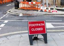 Lavori stradali: sentiero per pedoni chiuso Fotografia Stock