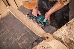 Lavoro con esperienza del carpentiere fotografia stock