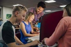 Lavoro del computer di aula Fotografia Stock