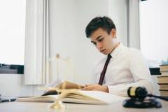 Lavoro dell'avvocato nell'ufficio fotografia stock