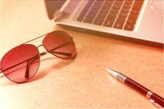 Lavoro di affari dalla casa con colore di luce solare Immagini Stock