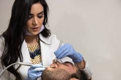 Lavoro di pratica del dentista immagini stock