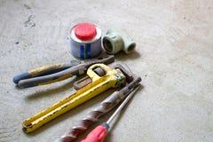 Lavoro di ristrutturazione elettrico, molti attrezzi per bricolage Fotografia Stock Libera da Diritti