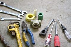 Lavoro di ristrutturazione elettrico, molti attrezzi per bricolage Fotografia Stock