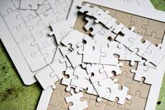 Lavoro di squadra bianco di lavoro di squadra e di armonia del puzzle ed armonia Fotografie Stock Libere da Diritti
