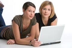Lavoro di squadra con il computer portatile Fotografie Stock Libere da Diritti